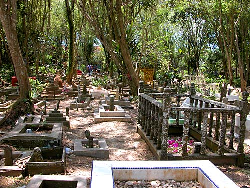 kuburan.jpg