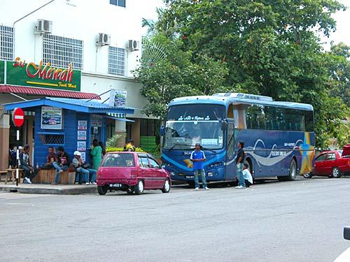 station-bus.jpg