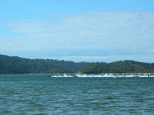 f2000-sabah-boat-race-2008-24.jpg