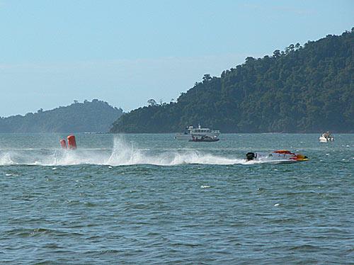 f2000-sabah-boat-race-2008-25.jpg