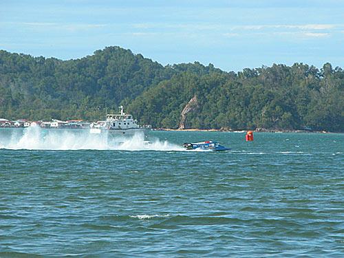 f2000-sabah-boat-race-2008-26.jpg