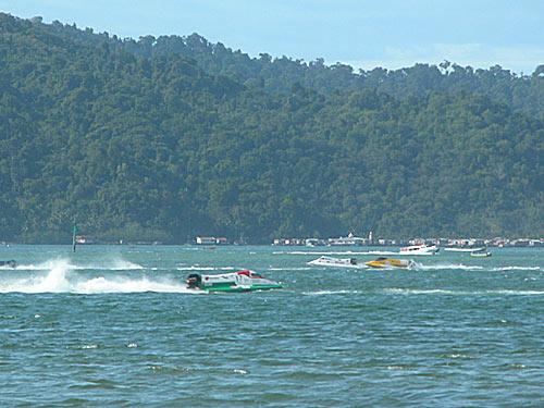 f2000-sabah-boat-race-2008-27.jpg