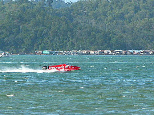 f2000-sabah-boat-race-2008-30.jpg