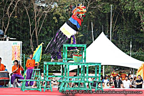 dragonunicornlion-dancefestival2009_1696