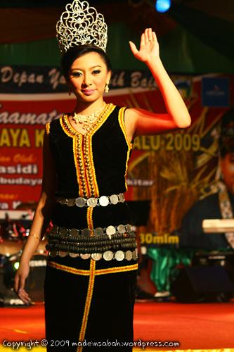 KarnivalTadauKaamatan-DBKK-UndukNgadau-2009_6757